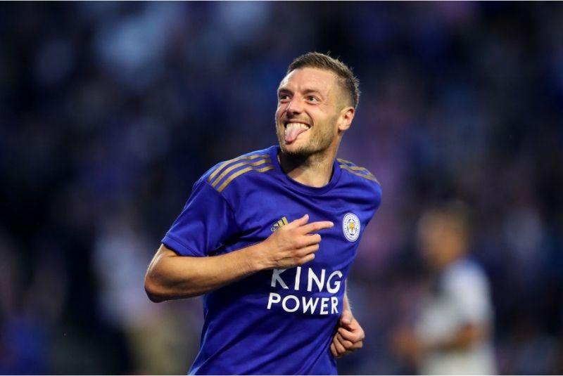 Áo đấu sân nhà Leicester City 2019/20.