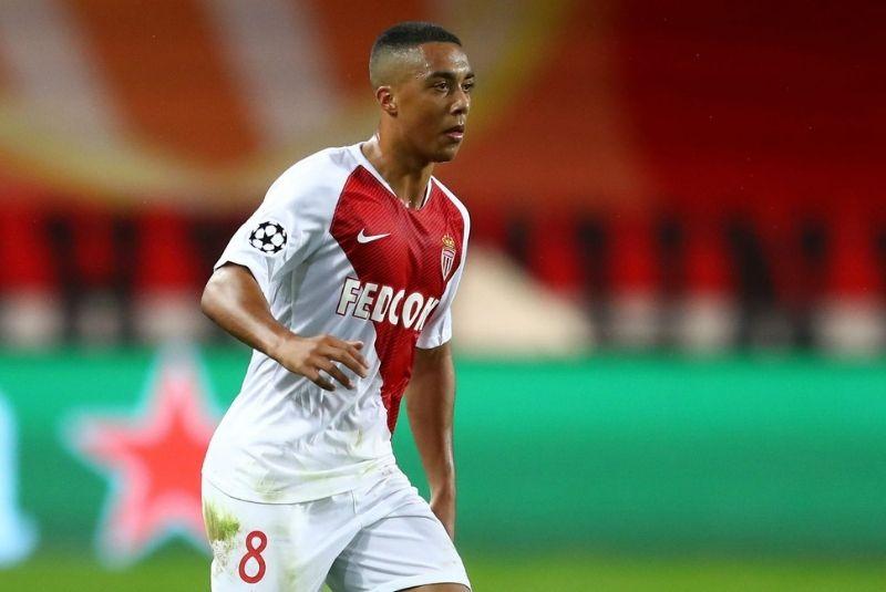Youri Tielemans trong màu áo AS Monaco thi đấu khá thất bại.